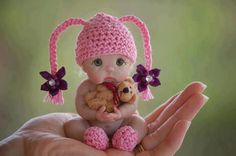AWE. What a little sweety!