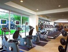 Featuring a fitness centre, a Jacuzzi and a free shuttle service, the Sheraton Gateway Los Angeles offers a large base when in Los Angeles. ...