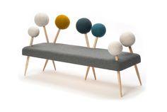 針が刺さった針山のようなデザインのソファー。ハンガリー出身の家具デザインを学ぶ、Demeter Fogarasiさんの作品です。...