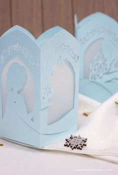 Bring the story of Frozen to life with this beautiful, unique Frozen paper lantern. Download the SVG file for FREE and make your very own lovely lanterns.