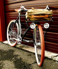 A proper Gentleman's bicycle. Commuter by Vanilla Workshop. Sacha White builds the most incredibly beautiful bikes. Velo Retro, Velo Vintage, Vintage Bicycles, Velo Design, Bicycle Design, Cool Bicycles, Cool Bikes, Tricycle, Velo Cargo