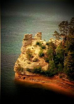 Miner's Castle in Michigan's Upper Peninsula. One of the most beautiful hikes in Michigan!