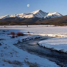 Colorado 14er Mt. Elbert, Leadville.  Elbert is the tallest mountain in the Colorado Rocky Mountains at an elevation of 14,440 ft. above sea level - Mountain photography by Aaron Spong #winter #sunrise #14ers