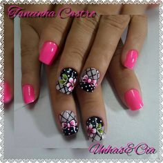 Unhas bonitas, unhas perfeitas, lindas unhas, unhas com flores, unhas rosas Mani Pedi, Manicure And Pedicure, Hot Nails, Hair And Nails, Cute Short Nails, Nail Effects, Marble Nail Art, Nails Only, Stamping Plates