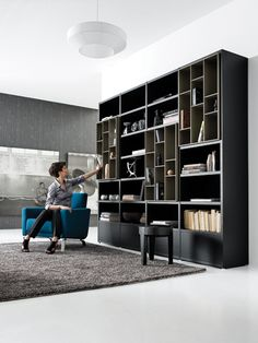 An interior design service tailored to you. BoConcept is a Danish furniture store that turns houses into modern homes. Browse our designer furniture. Living Room Wall Units, Living Room Modern, Living Room Furniture, Home Furniture, Boconcept, Sofa Design, Shelf Design, Bookcase Storage, Bookshelves