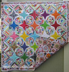 Yes, I Love Selvages (photo only). Love the use of selvages and resulting secondary pattern!  #quilts #quilting #selvages