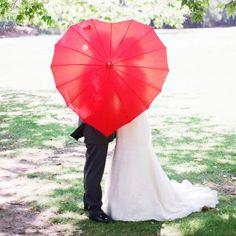 Cute #wedding #picture #heart #creative #bride #groom #ideas
