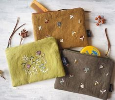 8 Ways to Make your Own Bag - Handmade Special Bags Embroidery Purse, Hand Embroidery Stitches, Hand Embroidery Designs, Cross Stitch Embroidery, Embroidery Patterns, Art Patterns, Flower Embroidery, Broderie Simple, Linen Bag
