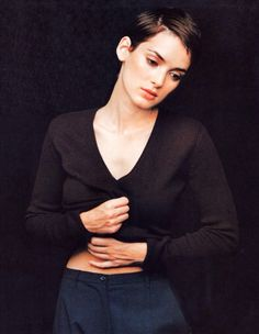 Winona Ryder looks pretty in her black sweater image. Pretty Black, How To Look Pretty, Hannah And Her Sisters, Winona Forever, Nastassja Kinski, Christina Ricci, Cut And Style, Most Beautiful Women, Pretty People