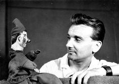 Ifjabb Kemény Henrik és Vitéz László bábja, 1960. Celebrity Gallery, Hungary, Budapest, Puppets, Old Photos, Retro Vintage, Athlete, Memories, Actors
