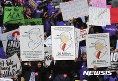 """""""트럼프는 거짓말장이 피노키오"""" 시위 : 뉴스 : 동아닷컴: LSOB BS TRUMPTLER BBBUK DOWNS FROM BY US GOP HOUSE !"""