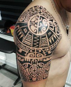 polynesian tattoos for men - Tattoos Skull, Head Tattoos, Body Art Tattoos, Sleeve Tattoos, Tribal Shoulder Tattoos, Samoan Tribal Tattoos, Tattoo Shoulder, Polynesian Tattoos, Maori Tattoos