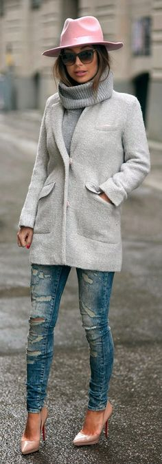 PETITE Exclusive Slim Coat in Texture, Noisy May Slim Jeans Super Distressed, Light Pink Fedora Hat, Christian Louboutin Pumps / Johanna Olsson