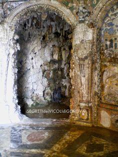 Grotta Doria il ninfeo situato difronte all'ingresso della grotta