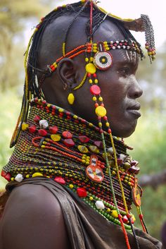 Faces of Kenya - Turkana woman African Tribes, African Women, African Art, We Are The World, People Around The World, African Jewelry, Ethnic Jewelry, Arte Tribal, Art Africain