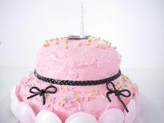 Pinke Torte von @minimenschlein http://www.minimenschlein.de/rezepte/der-hingucker-auf-dem-geburtstagstisch-pinke-party-torte