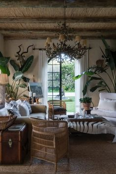 Sitting Down with Stylish and Vivacious Interior Designer Serena Crawf Australian Interior Design, French Interior, Home Interior Design, Colonial Cottage, British Colonial Decor, My French Country Home, French Country Decorating, Living Room White, Living Rooms