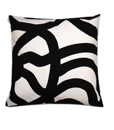 Cushion covers are among the most popular home textiles. Cushion covers allow you to easily modify your decor whenever you feel like it. Marimekko, Home Textile, Cushion Covers, Cushions, Textiles, Throw Pillows, Black And White, Dressing, Decoration