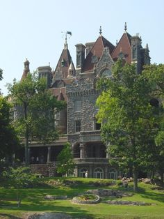 Wolfe Castle. (Boldt Castle)
