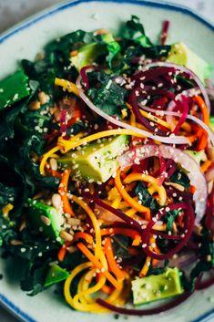 Rainbow Chakra Salad 10 Salad Recipes That Aren't Boring Raw Vegan Recipes, Vegetarian Recipes, Gluten Free Recipes, Healthy Recipes, Raw Vegan Dinners, Vegan Raw, Skinny Recipes, Eating Raw, Clean Eating