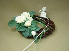 ANIOŁEK RÓŻE kremowo-białe WIANEK (242) wiklina sztuczne kwiaty Kompozycje kwiatowe Marko604