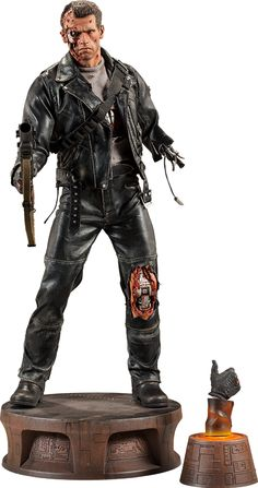 T:800 Terminator Battle Damaged Terminator Premium Format™ Figure by Sideshow Collectibles