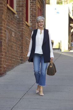 Best Fashion Tips For Women Over 60 - Fashion Trends Mature Fashion, Fashion For Women Over 40, Trendy Clothes For Women, Blue Fashion, Denim Fashion, Look Fashion, Plus Size Fashion, Fashion Outfits, Fashion Trends