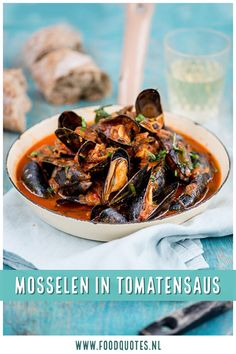 Mosselen in tomatensaus - FoodQuotes - Mosselen in Tomatensaus - Fish Recipes, Seafood Recipes, New Recipes, Healthy Recipes, Surprise Recipe, Cheesecake Factory Recipes, Fabulous Foods, Mussels, Fish And Seafood