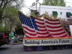 parade float ideas | Parade float of American flag