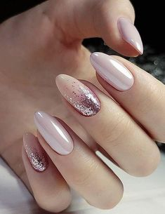 ongles-nude-rose-beige-paillettes