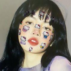 Angel Aesthetic, Kpop Aesthetic, Aesthetic Photo, New Profile Pic, Profile Photo, Jennie Lisa, Blackpink Lisa, Youtube Blackpink, Messy Curls
