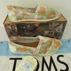 Yellow And White Hole Pattern Toms Canvas Shoes