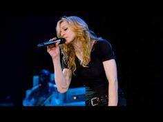 Madonna Drowned World/Substitute for love Live 2006