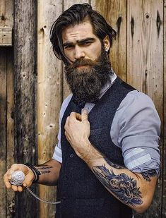 chalemagne-pr… View the best mens hairstyles from Charlemagne Premium male… – coiffures et barbe hommes Beard Styles For Men, Hair And Beard Styles, Hair Styles, Hipster Beard, Hipster Man, Male Hipster Fashion, Great Beards, Awesome Beards, Hot Beards
