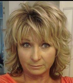 Haircuts For Medium Hair, Medium Hair Cuts, Medium Hair Styles, Curly Hair Styles, Short Hair With Layers, Short Hair Cuts For Women, Layered Hair, Shaggy Short Hair, Short Curly Hair