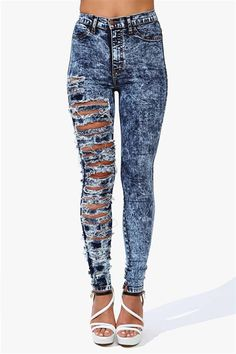 Acid Wash Ripped Jeans - Did her scissors break before she got to the other leg?