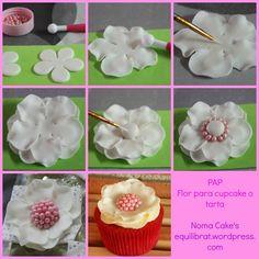 d8c31437f21ea547d6b68e18a31c9c60--cupcake-flower-cake-flowers.jpg (736×736)