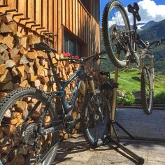 Tune your bike in our lodge. Awesome #downhill from Nätschen / Stöckli into the Riental and Göschenen. Welcome to the #bike #riders #lodge and #hostel in #andermatt, #swiss #Alps www.basecamp-andermatt.com #roadbike, #passes, #mountain, #biking, #alpine, #switchback, #cervelo, #passroads, #gotthard, #furka, #grimsel, #susten, #nufenen, #tremola, #airolo, #disentis, #rhone #mtb, #mountainbike, #freeride, #enduro, #singletrail, #alps