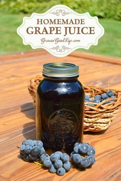 Concord Grape Juice - No Added Sugar Learn how to make and preserve your own Concord grape juice at home! You control the additives and sugars.Learn how to make and preserve your own Concord grape juice at home! You control the additives and sugars. Fresco, Home Canning, Canning Tips, Preserving Food, Canning Recipes, Raisin, Food Storage, Preserves, Beverages