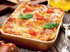 Confused what dish to bring for your next potluck gathering? If you want to bring some variety to the table, pick any of the following recipes. From mouth-watering meat lasagne and fresh pasta salads to fancy bread spreads with different dips and cookies for desserts, this menu is delicious and yet simple to whip up!Images: Thinkstock