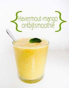 Voor 1 persoon: 1/2 rijpe mango 1/2 banaan 2 el havermout 5 blaadjes munt 1 tl kokosolie (extra vergine) 1/2 tl kaneel kokoswater (of gewoon water) zoveel als je nodig hebt tot gewenste dikte)