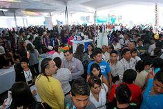 Nezahualcóyotl, Méx. 15 Mayo 2013. A través de la dirección de Desarrollo Económico, el gobierno municipal realiza acciones para impulsar la economía local, como el apoyo a pequeños y medianos empresarios,  la capacitación constante a grupos productores, y la realización de más ferias del empleo.