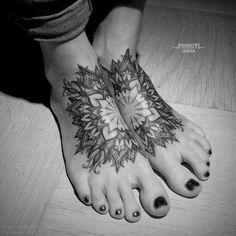 33 Classical Mandala Tattoo Designs (11)*Snowflake mandala