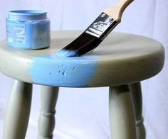 How to Distress Furniture With Paint and paste wax Furniture Update, Pine Furniture, Furniture Direct, Primitive Furniture, Cheap Furniture, Furniture Makeover, Vintage Furniture, Furniture Refinishing, Furniture Movers