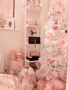 Image may contain: table and indoor Girl Bedroom Designs, Room Ideas Bedroom, Bedroom Decor, Cute Room Ideas, Cute Room Decor, Shabby Chic Christmas, Christmas Room, Merry Christmas, Tout Rose
