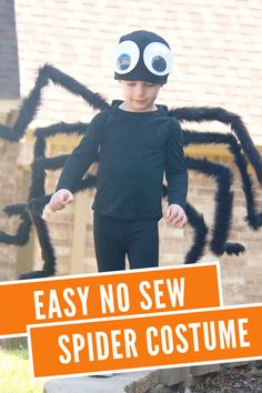 This awesome costume tutorial is an EASY NO-SEW SPIDER COSTUME….that takes maybe 20 MINUTES to make!!! #DIYcostume #spidercostume