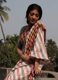 Simple sensual- Description by Pinner Mahua Roy Chowdhury