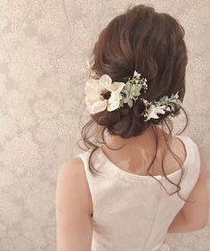 """Popular with hairdressers ♡ """"Anemone flowers"""" bride hair catalog that will make you cute anyway * Wedding Hair Half, Beach Wedding Hair, Wedding Hairstyles With Veil, Bride Hairstyles, Bridal Hair, Kawaii Hairstyles, Flower Girl Hairstyles, Bridesmaid Hair, Prom Hair"""