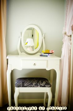 Vintage Vanity for Little Girl's Room - #projectnursery