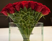 The Best Flower Shops In Nyc Gift Ideas Flowers Valentines